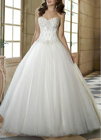 5 Hot Wedding Dress Trends For Spring 2013