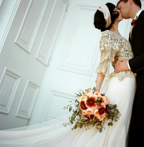 Retro Bridal Fashion: Vintage Wedding Dresses - DressilyMe\'s blog