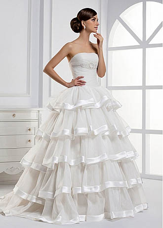Would You Wear a Layered Wedding Dress - DressilyMe\'s blog