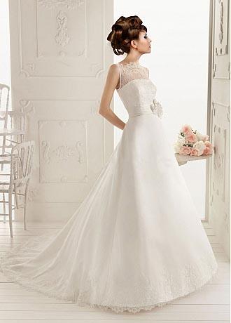 A Brief Look into Bateau Neckline Wedding Dresses - DressilyMe\'s blog