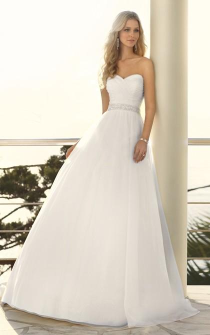 The Best Beach Wedding Dresses For Summer 2013